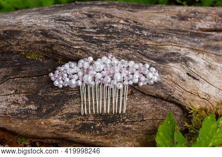 Handmade Jewelry. Hair Comb Made With Crystal And Rhinestones. The Trends In Wedding Style. Prepare
