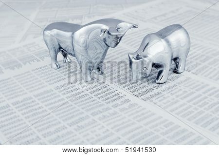 Stock Market Report With Bull And Bear