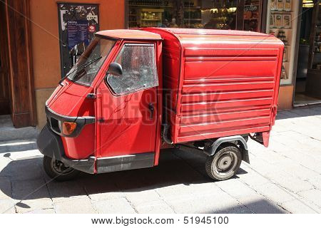 Red Ape Van