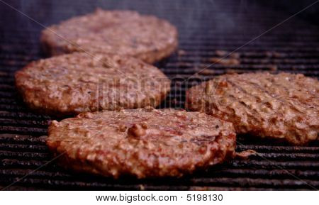 Grilling hamburger