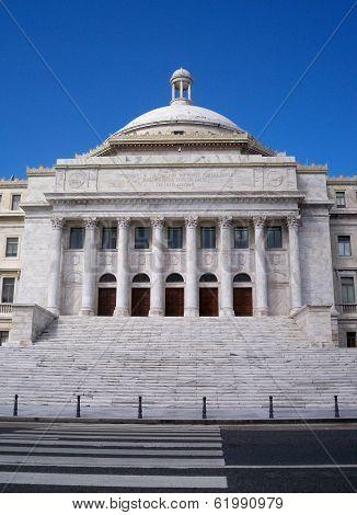 San Juan Capitol Building