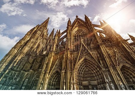 Cologne Cathedral (K�¶lner Dom) in the morning sun, Cologne, Germany