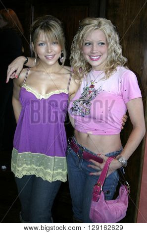 Ashley Peldon and Courtney Peldon at the Grand Opening of Porta Bella in Beverly Hills, USA on September 2, 2005.