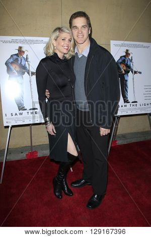 LOS ANGELES - MAR 22:  Luc Robitaille, Stacey Toten at the I Saw the Light LA Premiere at the Egyptian Theatre on March 22, 2016 in Los Angeles, CA
