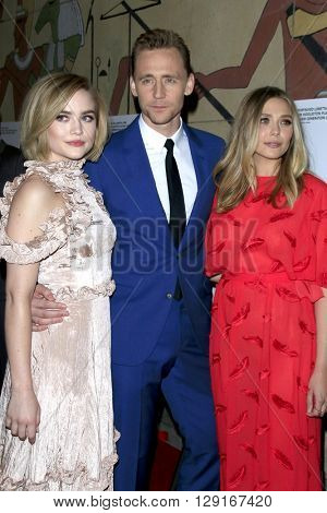 LOS ANGELES - MAR 22:  Maddie Hasson, Tom Hiddleston, Elisabeth Olsen at the I Saw the Light LA Premiere at the Egyptian Theatre on March 22, 2016 in Los Angeles, CA