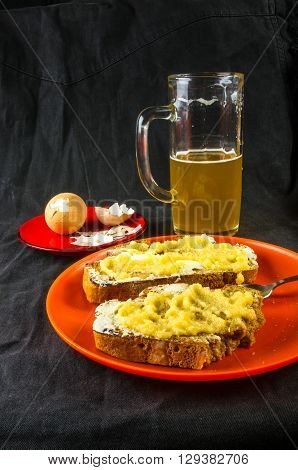 Toast, Eggs And Beer