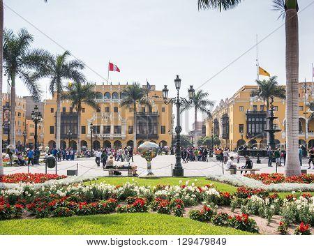 Lima Main Square Life