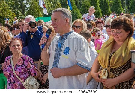 Dnepropetrovsk Ukraine - September 13 2014: Dnepropetrovsk Mayor Ivan Kulichenko congratulates residents on the occasion of City Day