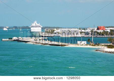 Cruise Ship Harbor
