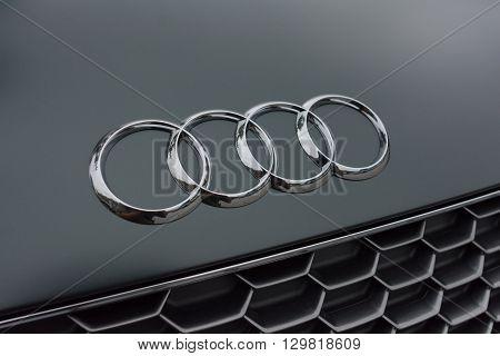 Audi 4 Rings Logo Chrome