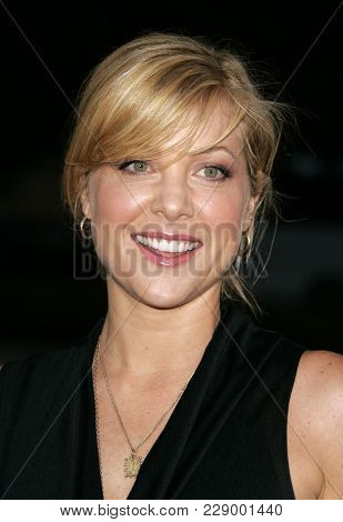 LOS ANGELES - JUL 13:  Jennifer Aspen at the ABC Summer Press Tour Party 2004  on July 13, 2004 in Century City, CA.