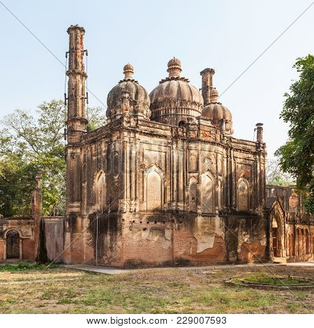 Mosque At The British Residency Complex In Lucknow, India