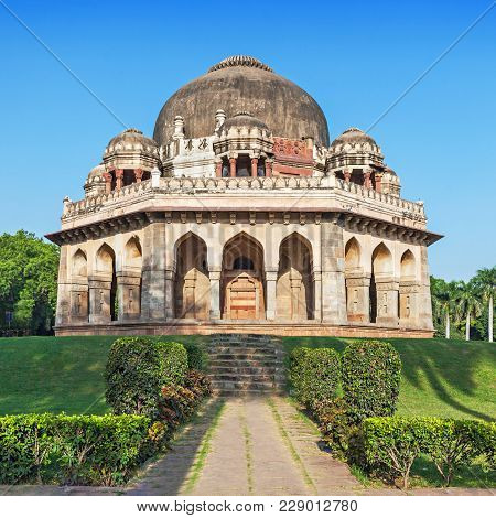 Lodi Gardens - Architectural Works Of The 15th Century Sayyid And Lodhis, An Afghan Dynasty, New Del