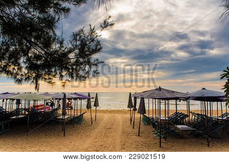 Canvas Daybed Under The Beach Umbrella
