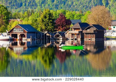 Beauty Houses At Wolfgangsee Lake In Austria. Wolfgangsee Is One Of The Best Known Lakes In The Salz