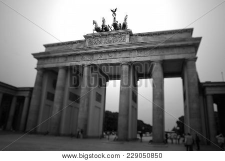 The Brandenburg Gate , German: Brandenburger Tor, Is A Former City Gate And One Of The Main Symbols