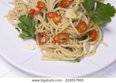 Spaghetti Garlic, Hot Pepper,olive Oil , Spaghetti Aglio, Olio, Peperoncino Italian  Mediterranean F