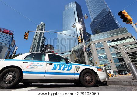 New York, Usa - July 6, 2013: Nypd Police Car At Columbus Circle In New York. Nypd Employs 34,500 Un
