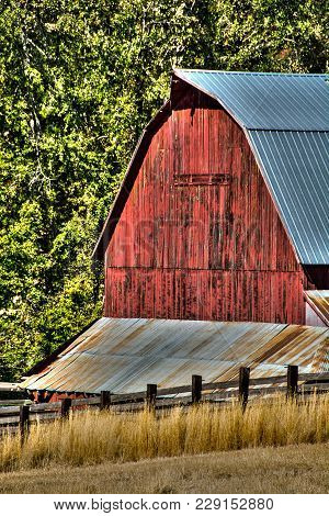 Working Barn On The Palouse, Located Near Goldendale, Washington