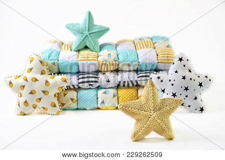 Yellow And Blue-green Knitted And Stitched Five-pointed Star Shaped Pillows And Patchwork Comforter