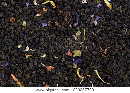 Mix Green Tea With Pineapple, Papaya, Grapes, Rose Petals, Marigold Mallow Blossoms