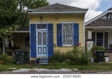 New Orleans, Louisiana - June 18, 2014: The Facade Of An Old And Colorful Creole House In The Faubou