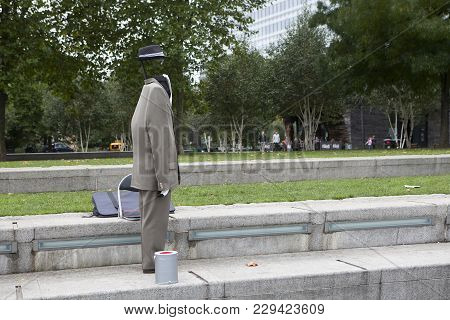 London, Uk - April 22, 2016: Invisible Man, An Actor On The South Bank Of The Thames