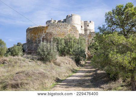 The Castle In Evoramonte (santa Maria) Village, Municipality Of Estremoz, Alentejo, Portugal