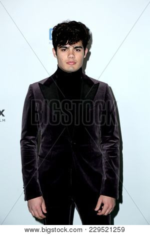 LOS ANGELES - FEB 28:  Emery Kelly at the 15th Annual Global Green Pre-Oscar Gala at the NeueHouse on February 28, 2018 in Los Angeles, CA