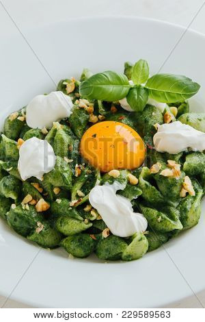 Conchiglie With Spinach