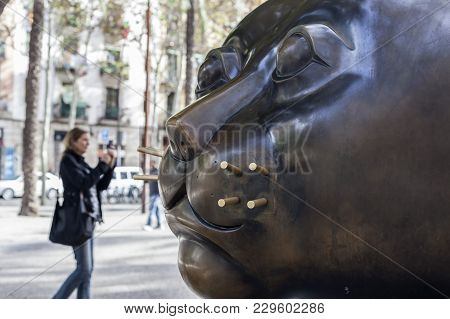 Barcelona,spain- November 10, 2013: Urban Art, Sculpture