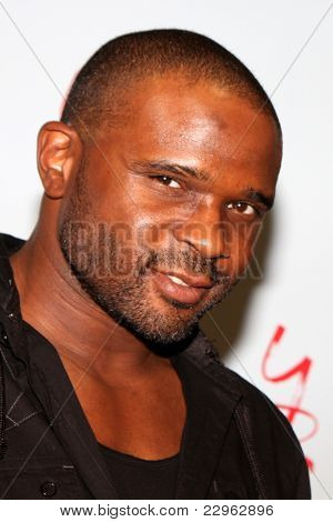 LOS ANGELES - AUG 26:  Darius McCrary attending the Young & Restless Fan Dinner 2011 at the Universal Sheraton Hotel on August 26, 2011 in Los Angeles, CA