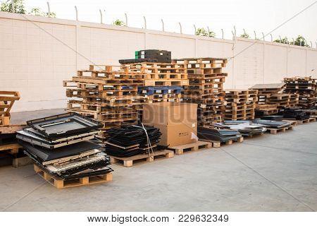 The Old Wood Pallets, Stacks Of Old Pallets