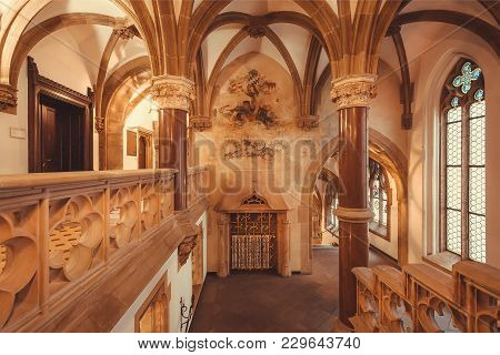 Munich, Germany - November 17, 2018: Space With Ancient Arches Of Gothic Style New Town Hall, Neues