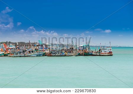 Rayong, Thailand-mar 3: Group Of Fishery Wooden Boats  At The Port Of Sea Market On March 3, 2018 In