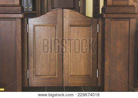 Western Saloon Swinging Doors, Wooden Brown Doors.