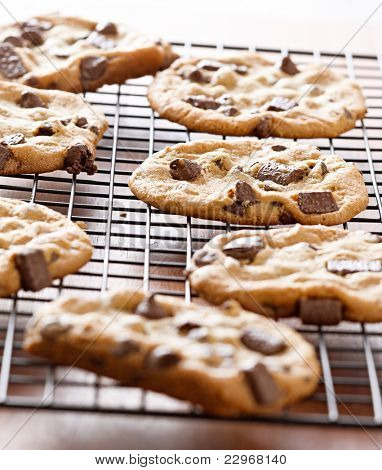 cookies cooling on cooling rack