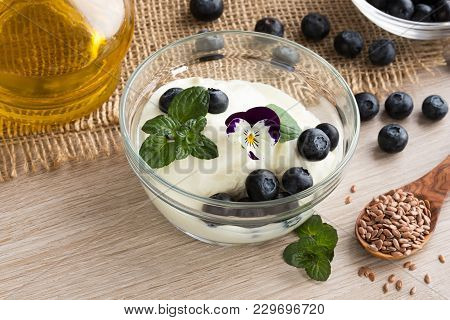 Cottage Cheese With Flax Seed Oil, Blueberries And Whole Flax Seeds