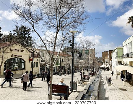 Rishon Le Zion, Israel- February 27, 2018: Rothschild Street In The Center Of Rishon Le Zion, Israel