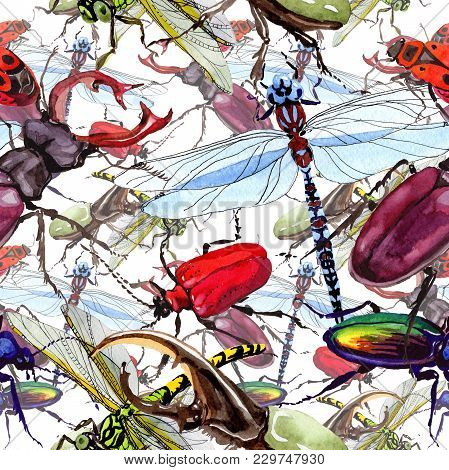 aposematic insects the key to new defense Behavioral defenses: gregarious and social insects ► chemically defended, aposematic insects tend to cluster rather than spread out in the environment some insects that derive their defensive chemicals from their host plants have been shown to synthesize the compound when isolated form.