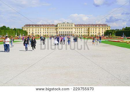 Vienna,austria - September 4 2017; Tourists On Space In Front Of Baroque Architectural Schonbrunn Im