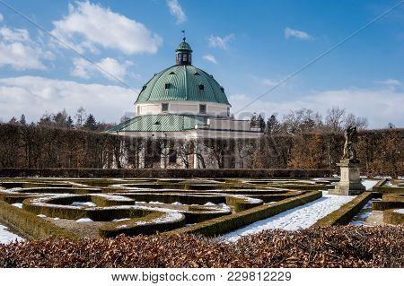 Rotunda In Flower Gardens Kvetna Zahrada In Kromeriz, Czech Republic In Winter Season