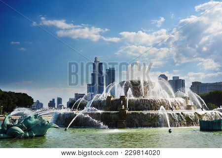 View Of Downtown Chicago Skyline From The Fountain In Grant Park