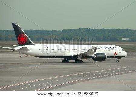 Milan, Italy - September 18, 2017: Aircraft Boeing 787-9 Dreamliner (c-frsr) Of Air Canada Before De