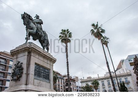 Jaime Conquistador On Horseback, Monument In The Middle Of The Square. Monument To Jaime Conquistado