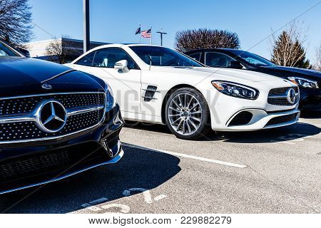 Indianapolis - Circa March 2018: Mercedes-benz Dealership. Mercedes-benz Is A Global Automobile Manu