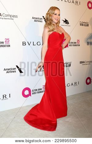 LOS ANGELES - MAR 4:  Tara Lipinski at the 2018 Elton John AIDS Foundation Oscar Viewing Party at the West Hollywood Park on March 4, 2018 in West Hollywood, CA