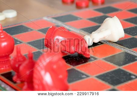 The Loser Of Fighting Chess, Committed, Competition, Winner, Successful, Dedicate Concept