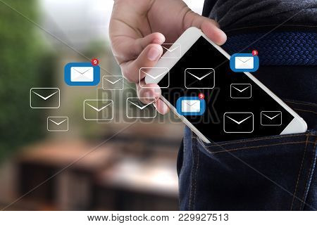 Mail Communication Connection Message To Mailing Contacts Inbox To View The Pending E-mail Communica