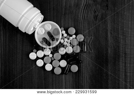 Drug Pharmacy Prohibited Substances Medicine Packaging Of Tablets